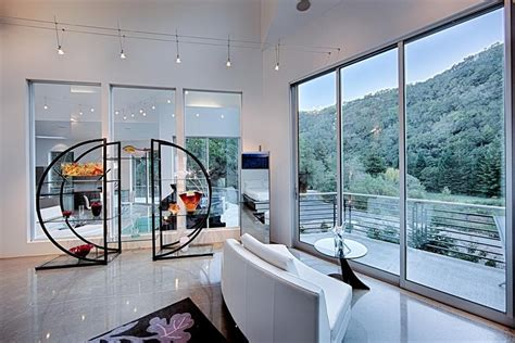 Five Ultra-Modern Homes for Sale Around the World