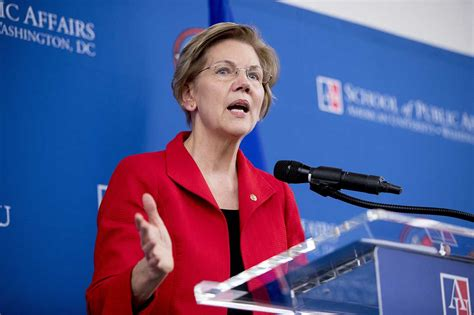 'A moment of crisis': Warren lays out foreign policy