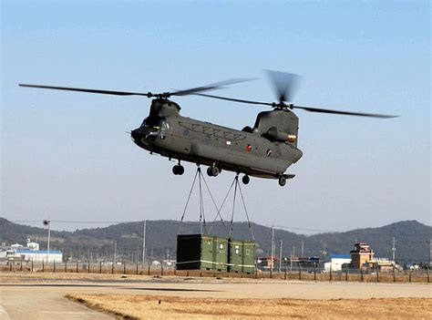 EC725 Caracal (Super Cougar) vs Boeing CH-47 Chinook