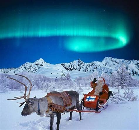 Santa Claus calls for peace in 2013 - China