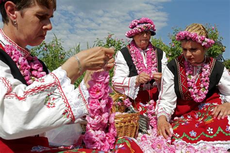 Beautiful Pictures of the Rose Festival in Bulgaria