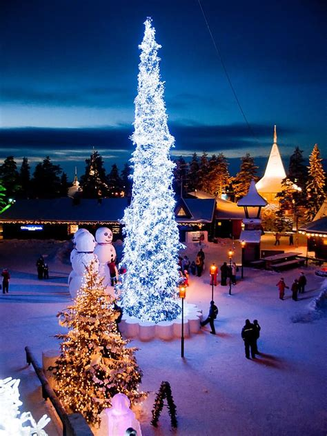 20 Most Adorable Pictures Of The Santa Claus Village In